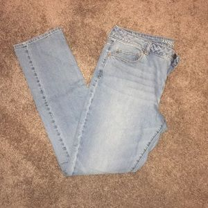 American Eagle light wash skinny
